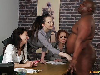 Clothed females admire a BBC to the fore to sharing tingle