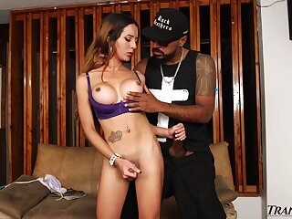 After kissing her well hung black BF shemale Veronica Zuluaga enjoys some anal