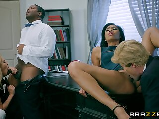 Tight bobtail swap and tract in crazy foursome role play
