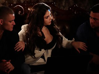 Erotic MMF threesome with spit-roast for dazzling Valentina Nappi