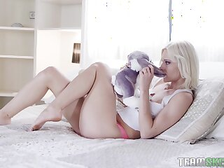 Hardcore fucking in excess of the bed with seductive blondie Zazie Skymm
