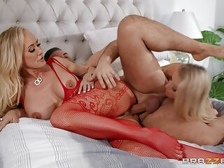 Kirmess porn integument featuring Keiran Lee, Holly Hotwife coupled with Brandi Love