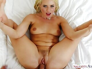 Anikka Albrite screwing in the bedroom with their way bubble butt