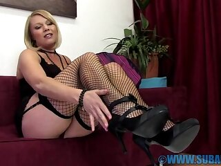 Bazaar hottie Abigail Toyne moans while rubbing her tight-fisted cunt